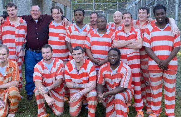 'A New Start:' Seventeen Inmates Baptized in Mississippi Jail